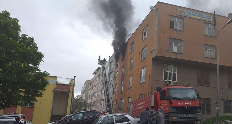 Ankara'da cila ve boya atölyesinde yangın