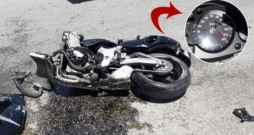 Motosiklet kazasında 2 kişi hayatını kaybetti