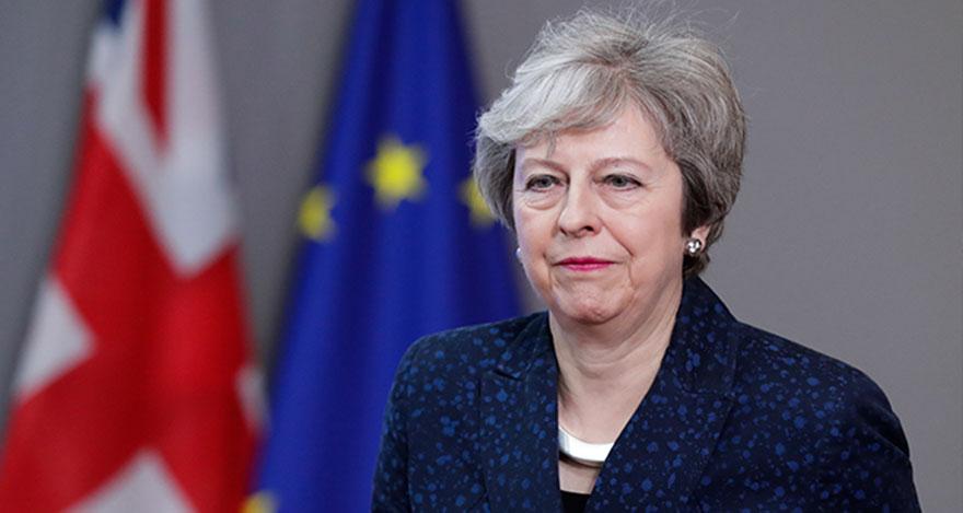 İngiltere Başbakanı Theresa May istifa edeceğini açıkladı