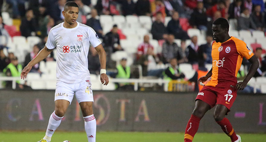 Galatasaray, Sivasspor'a yenildi