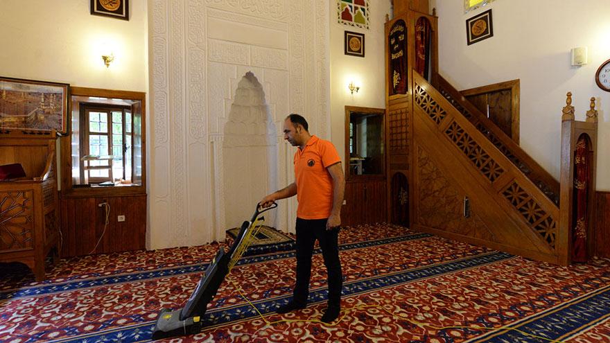 Altındağ'ın camileri bayrama hazır