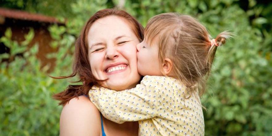 Mutlu bir çocuk nasıl yetiştirebiliriz