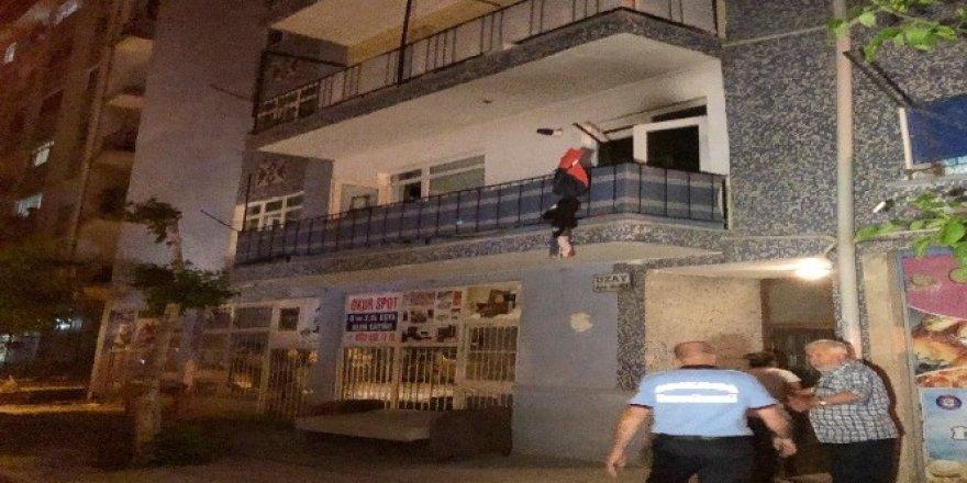 Ankara'daki yanan dairede mahsur kalan kadın kurtarıldı
