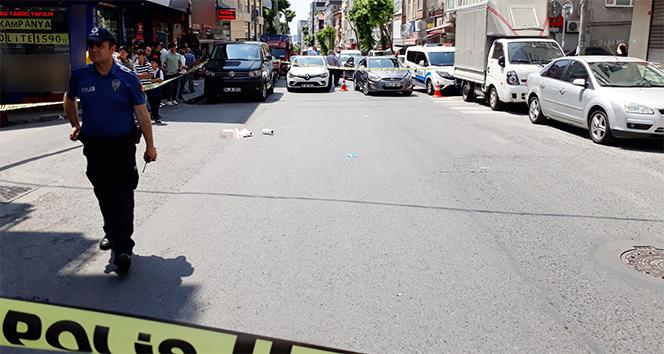 Cadde ortasında karısına kurşun yağdırdı