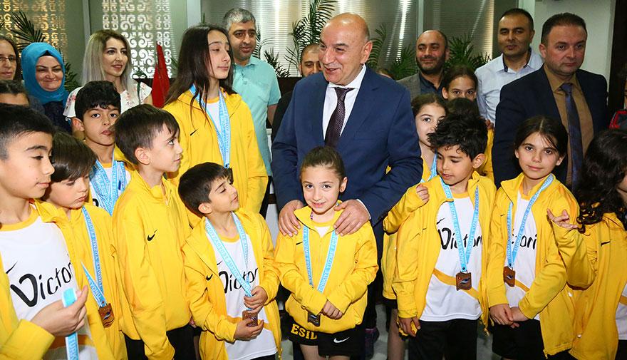 Keçiören Belediyesi'nden gençlere ücretsiz yaz spor okulu
