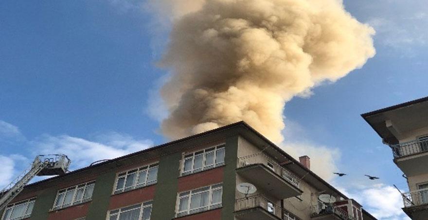 Yenimahalle'deki binanın çatısında yangın çıktı