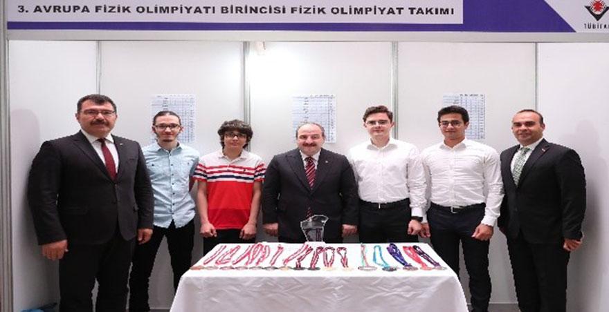 Bakan Varank'tan genç bilim insanına patent sözü