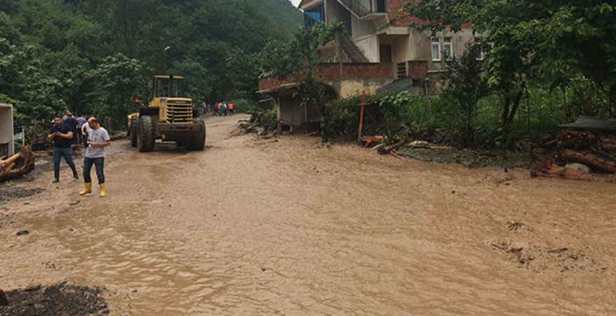 Trabzon'u sel vurdu: 3 ölü, 7 kayıp