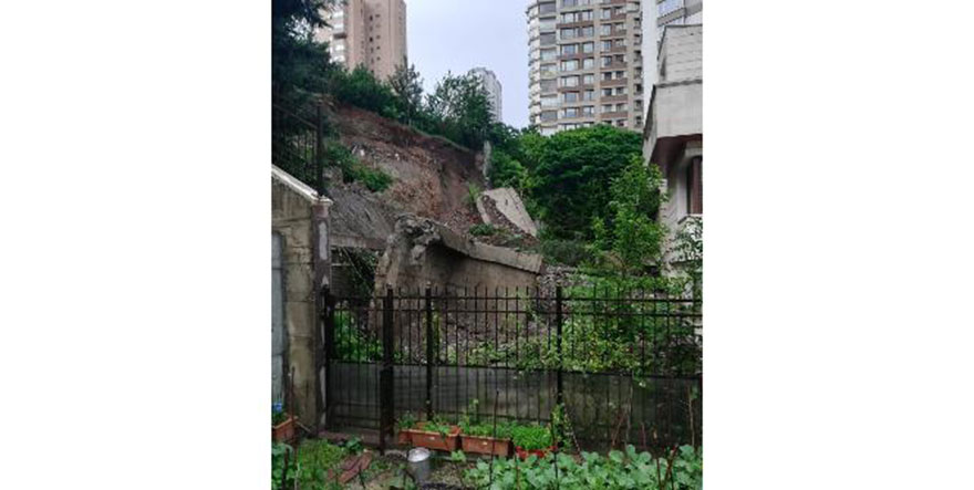 Ankara'da yağmura dayanamayan istinat duvarları çöktü