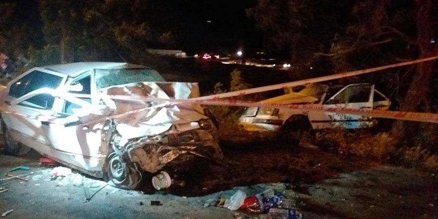 Başkent'te sürücü yanan otomobilde sıkıştı