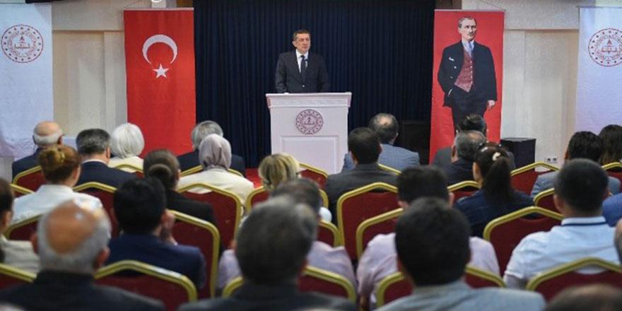 """Milli Eğitim Bakanı Selçuk: """"Öğretmenin güçlendirilmesi, 2023 vizyonumuzun temeli"""""""