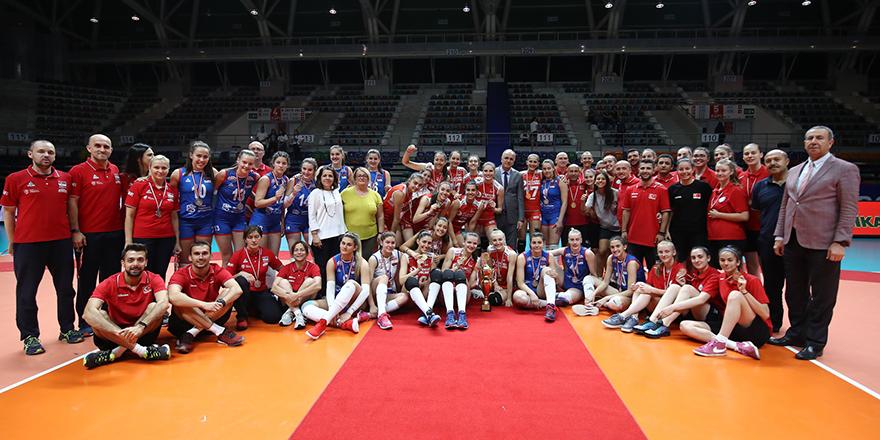 Sultanlar Balkan şampiyonu