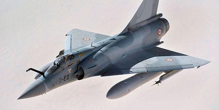 Katar'da iki askeri uçak çarpıştı