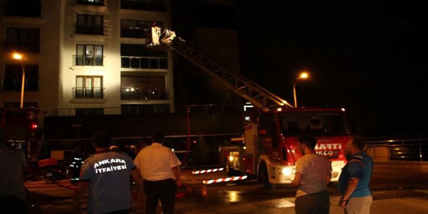 Ankara'da bina alev alev yandı
