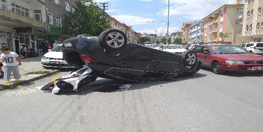 Ankara'da kontrolden çıkan araç takla attı