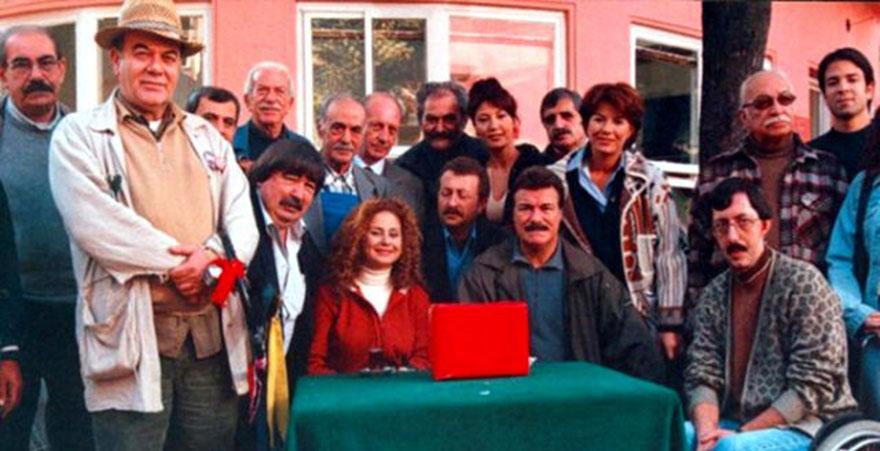 Tiyatro ve sinema oyuncusu Yalçın Gülhan hayatını kaybetti.