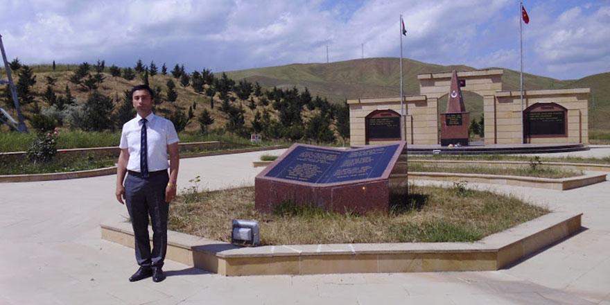Mütaliboğlu Azerbarcan'daki Türk şehitlerini unutmadı