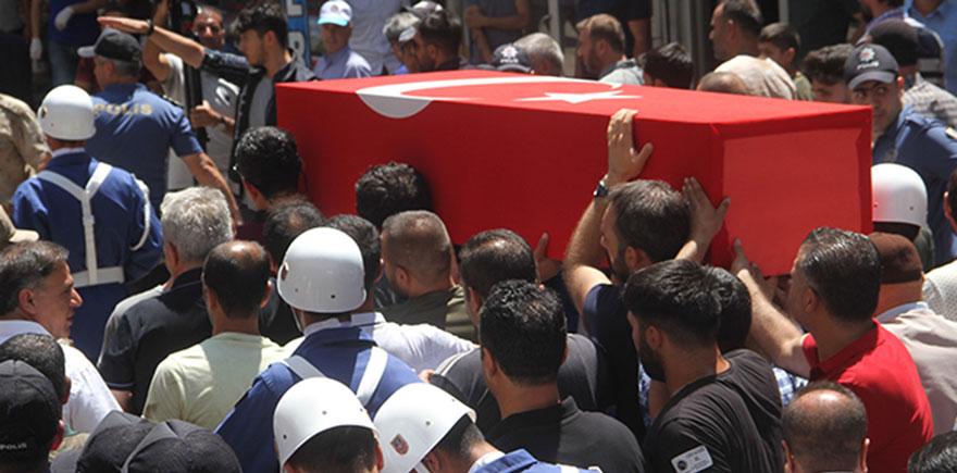 Şehit Uzman Çavuş Kıratlı'yı binlerce kişi uğurladı