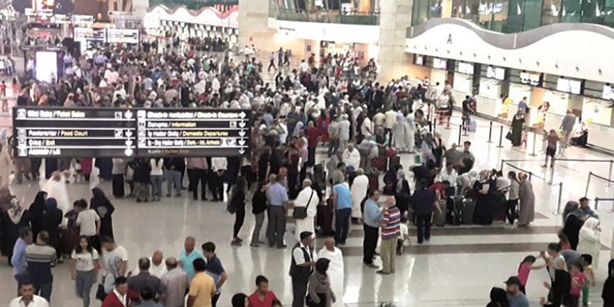 Ankara Esenboğa uçuyor uçuruyor