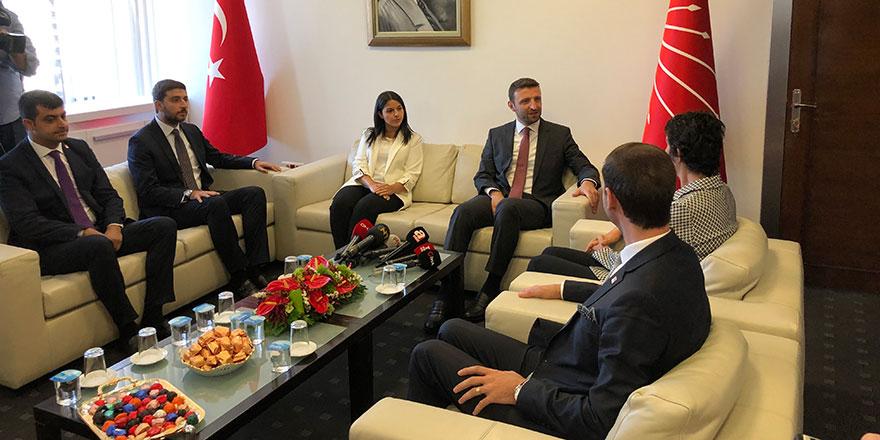 AK Parti'den CHP Genel Merkezi'ne bayram ziyareti