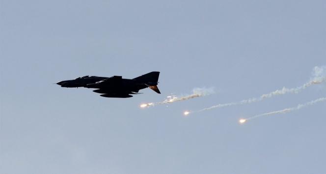 Kuzey Irak'a hava harekatı 2 terörist öldürüldü