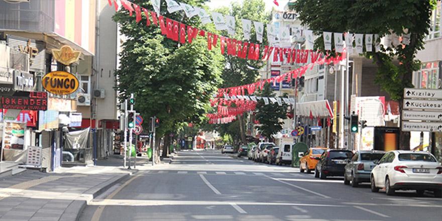 Ankara sokakları bomboş