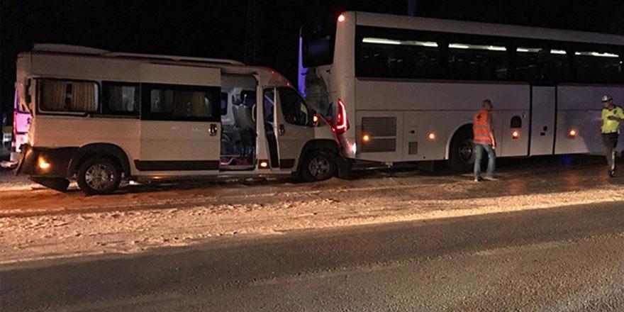 Zincirleme kazada 23 kişi yaralandı