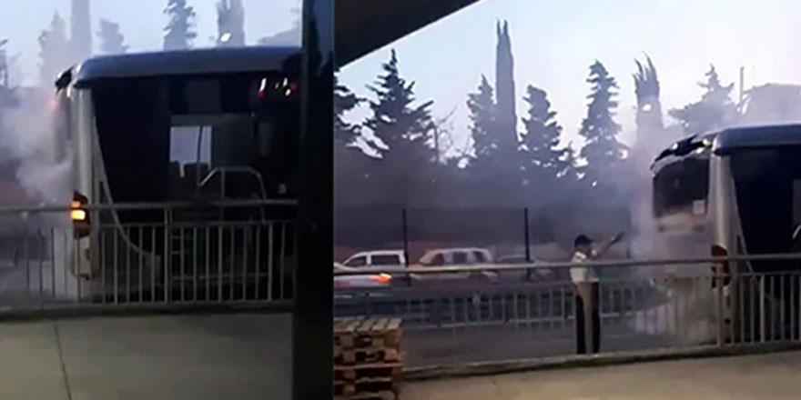 Metrobüste yangın paniği!