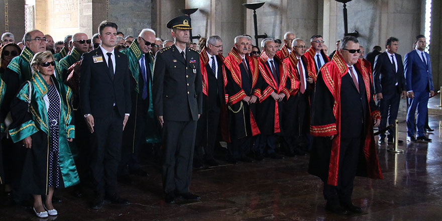 Yargıtay Başkanı Cirit, Anıtkabir'i ziyaret etti