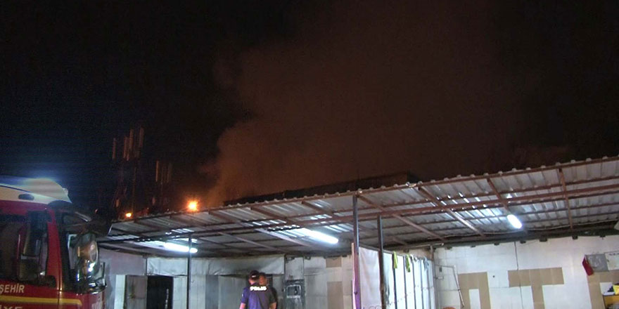 Başkent'te iş yeri alev alev yandı