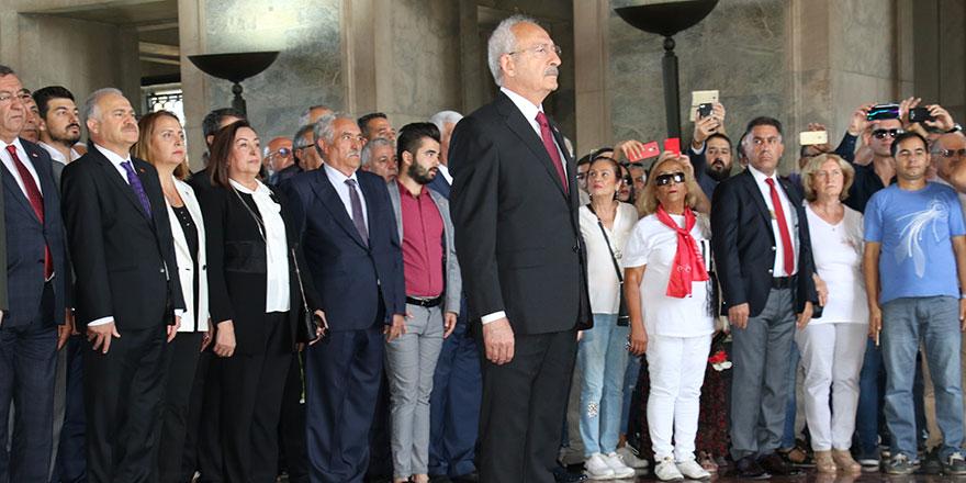 CHP 96 yaşında Kılıçdaroğlu ve CHP heyeti Anıtkabir'de