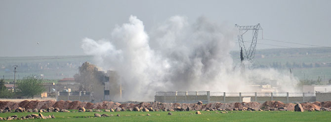 ABD uçakları IŞİD'in kullandığı köprüyü bombaladı