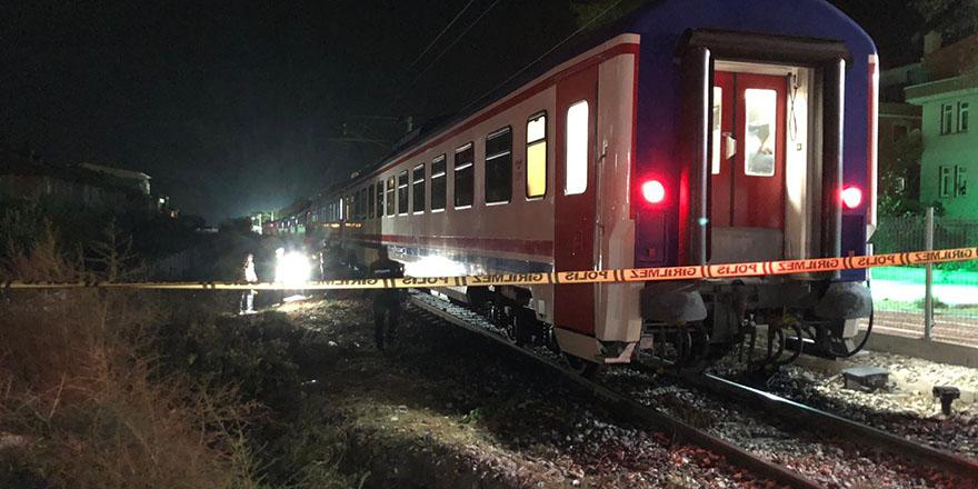 Tren raylarına düşen kadın hayatını kaybetti