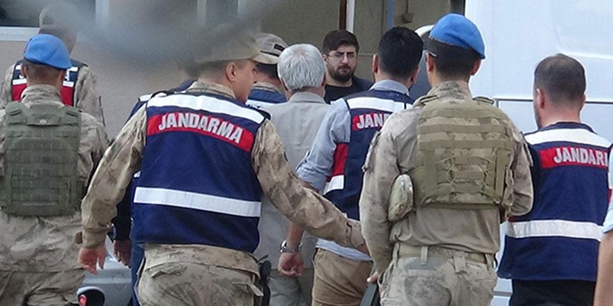 Eski Diyarbakır Belediye Başkanı Adnan Selçuk Mızraklı tutuklandı
