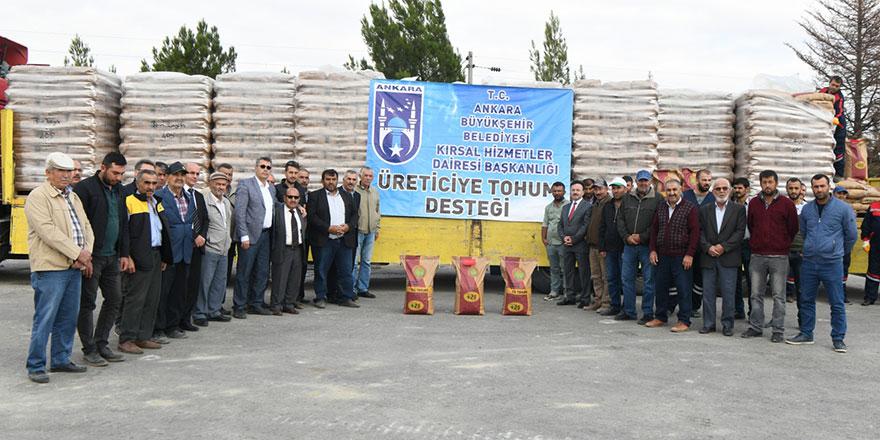 Büyükşehirden çiftçilere tohum desteği