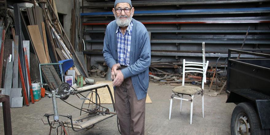 93 Yaşındaki Mehmet Dede gençlere taş çıkarıyor