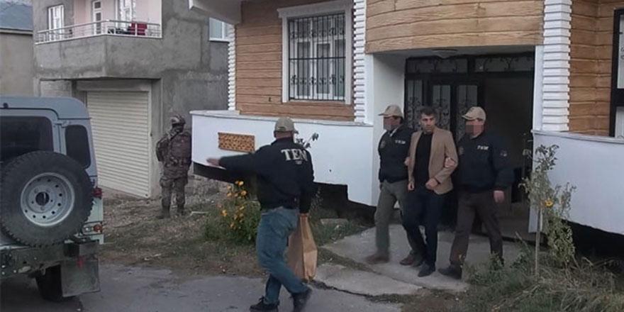 HDP'li Belediye Başkanı Azim Yacan'a gözaltı kararı