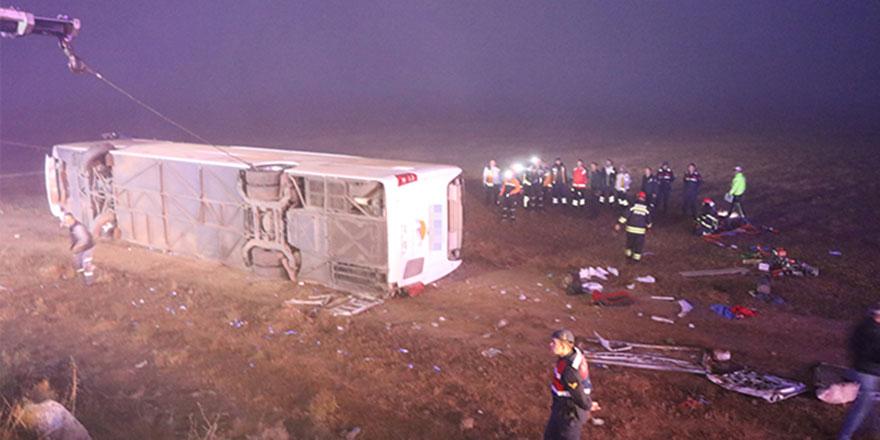 Aksaray'da yolcu otobüsü devrildi: 1 ölü, 51 yaralı