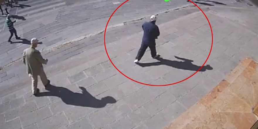 Yere düşen yaşlı amcanın cebinden para çalan kişi yakalandı
