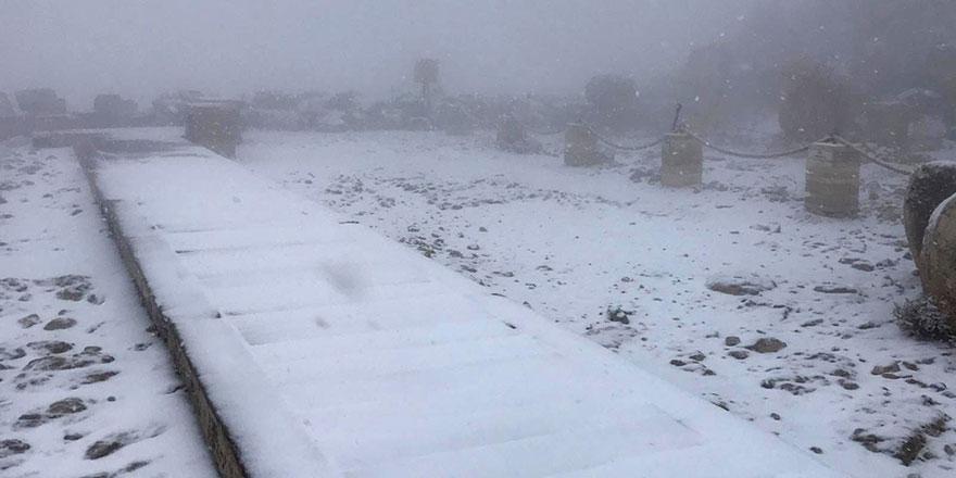 Dünyanın 8. Harikasına ilk kar düştü