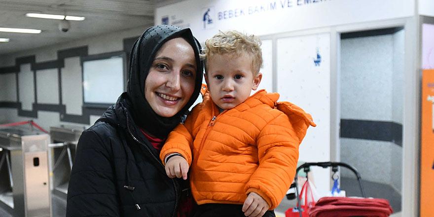 Anneler mutlu, Başkent mutlu