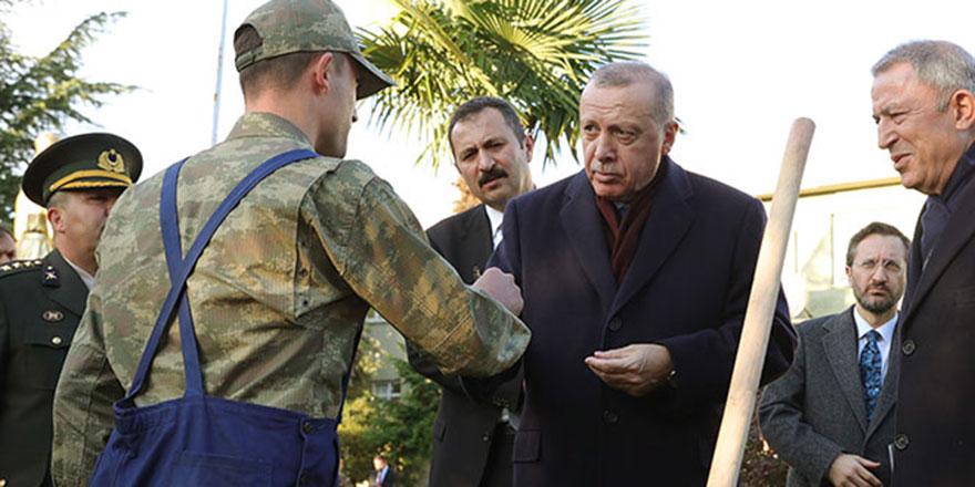 Cumhurbaşkanı Erdoğan'dan, askere hediye