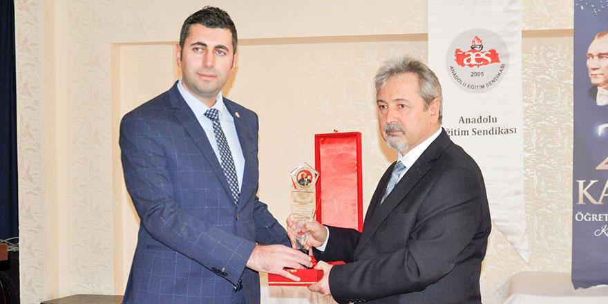 2019 Başöğretmenlik Onur Ödülü Prof. Dr. Necati Cemaloğlu'nun