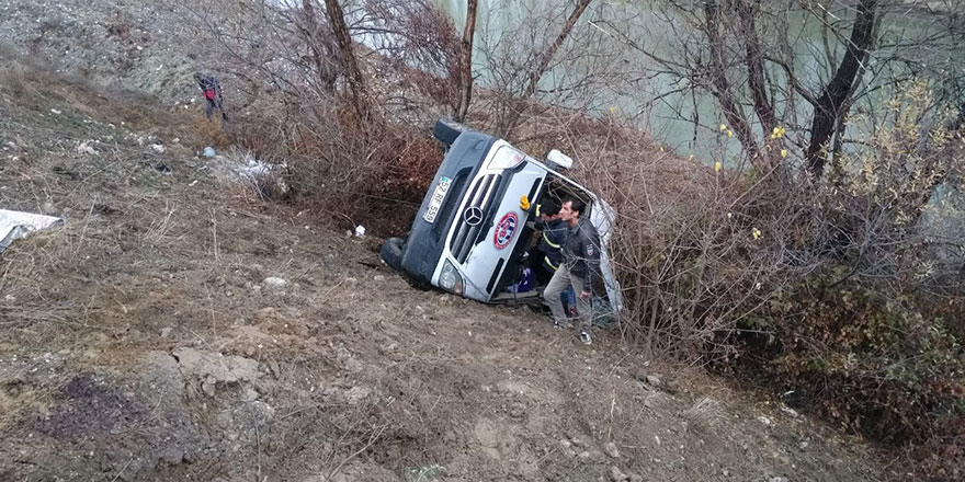 Yozgat'ta takım otobüsü devrildi
