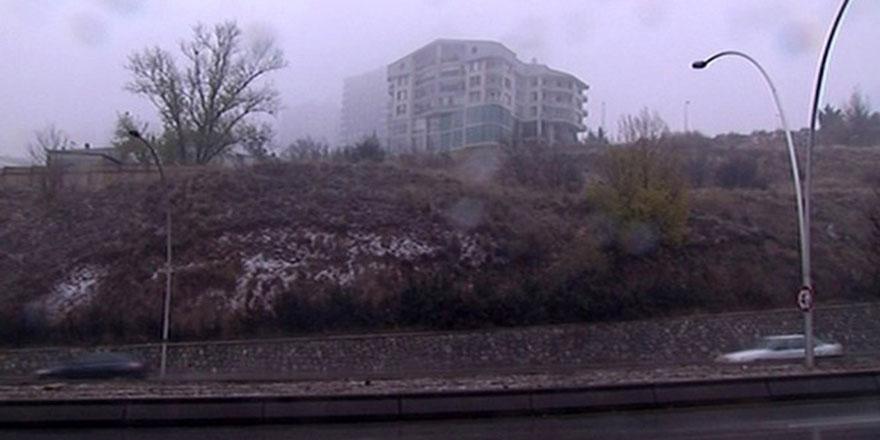 Ankara'nın merkezine kar yağdı