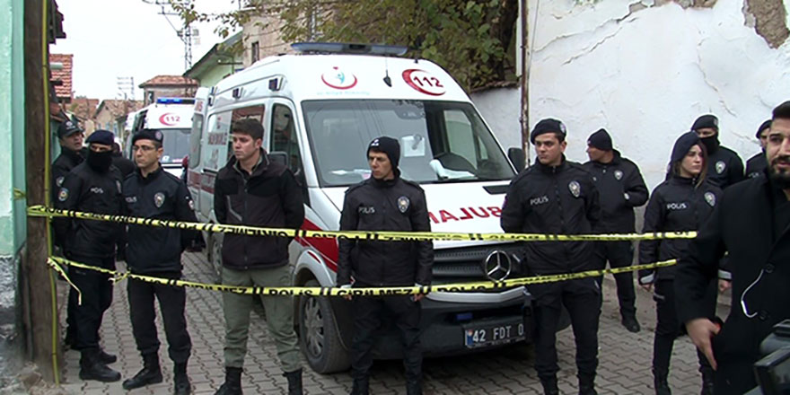 Konya'da bina çöktü