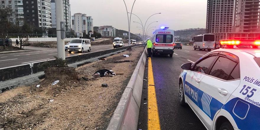 Yolun karşısına geçmeye çalışan 2 kadın hayatını kaybetti