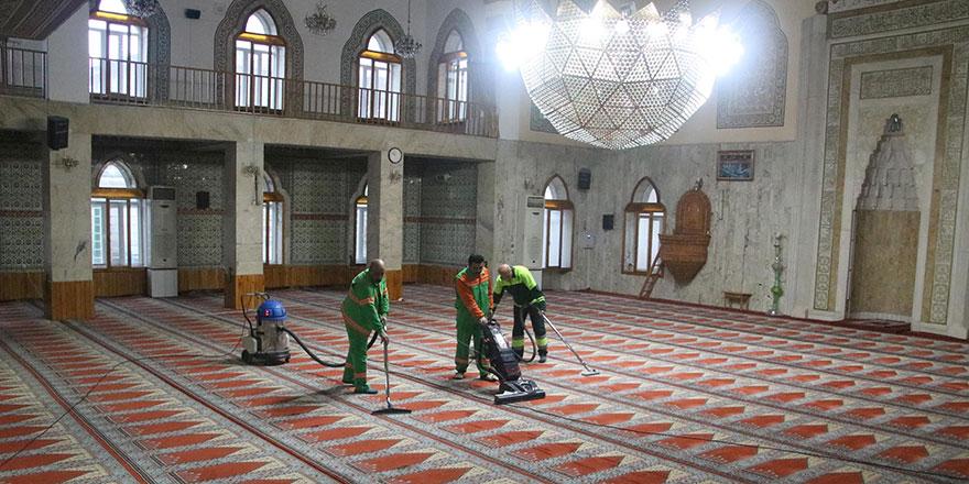 Çankaya'da camiler temizleniyor