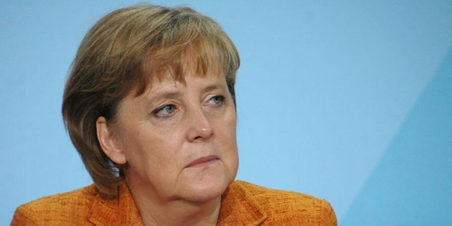 Merkel'den Libya açıklaması