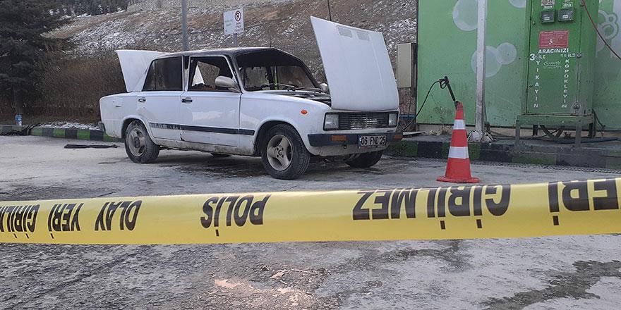 Mamak'ta gaz alan araç patladı